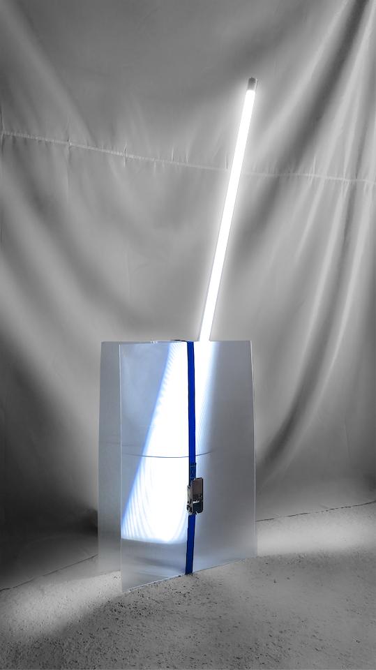 ABIERTO VALENCIA 2020_BLINKPROJECT_OVIDI BENET_GIF LIGHT_ESCULTURA_100x32x140_2020
